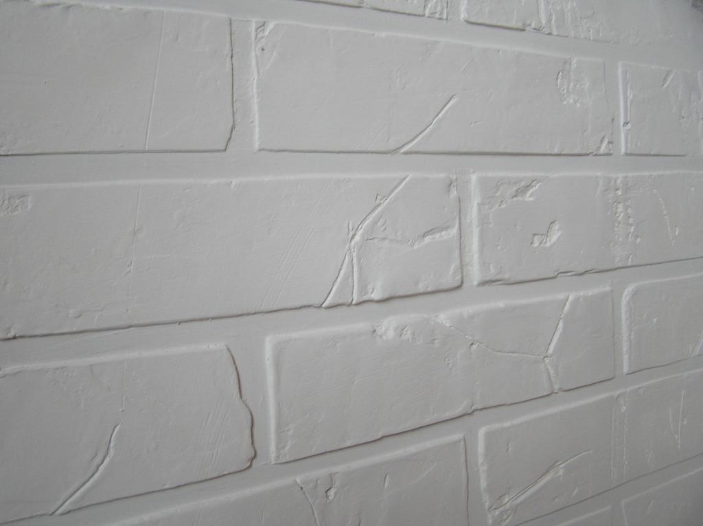 Штукатурка стены с эффектом кирпичной кладки
