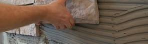 Искусственный камень – отличный материал для отделки прихожей